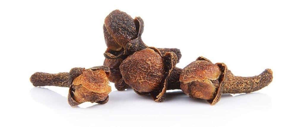 Гвоздика от давления: может ли пряность стать лекарством