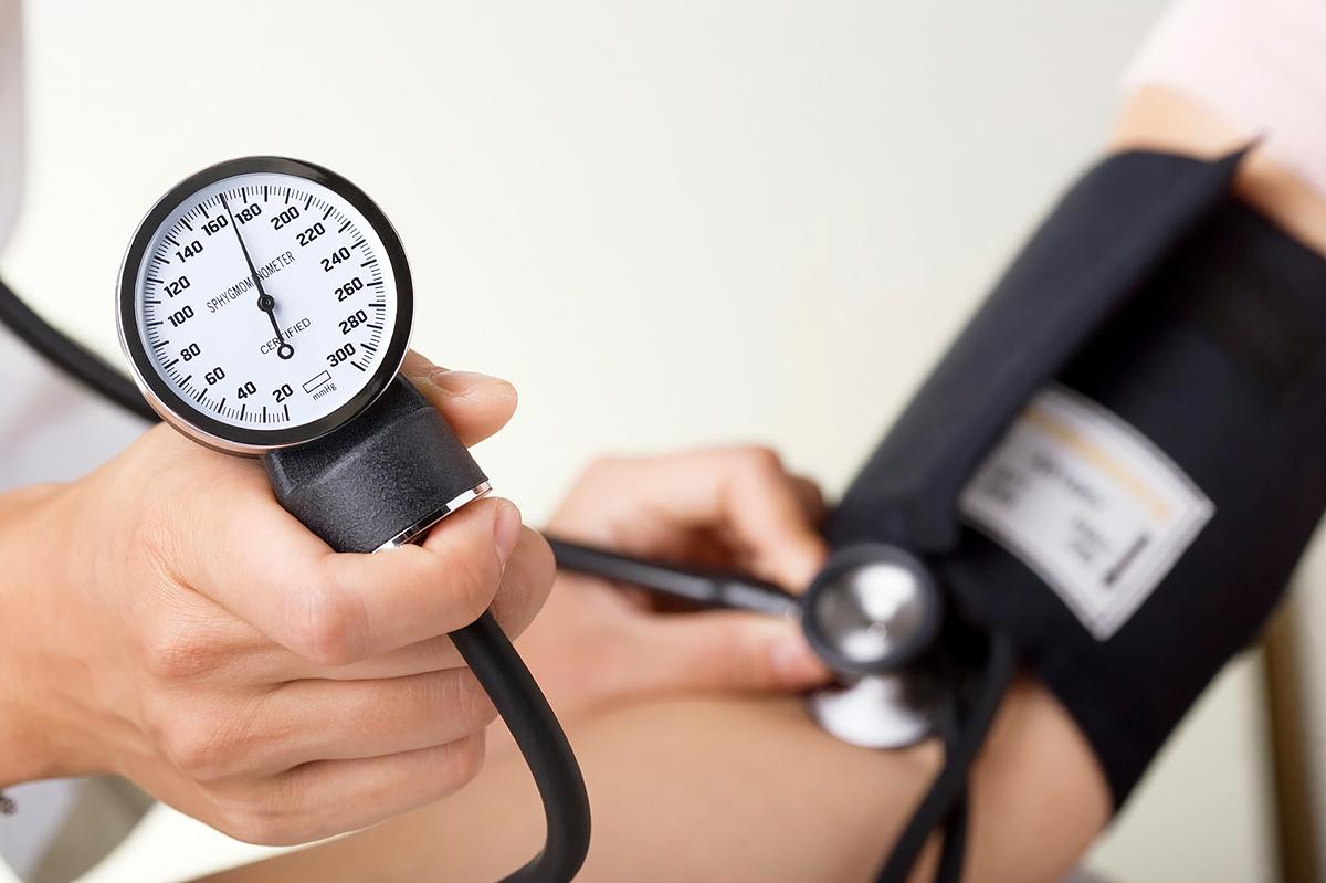 Что делать, если понос при высоком артериальном давлении?