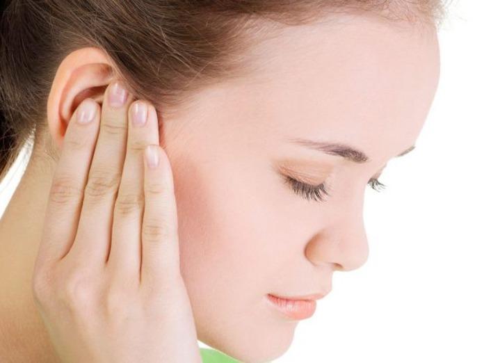 При каком давлении закладывает уши: высоком или низком ...