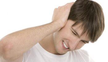При каком давлении закладывает уши: как артериальная гипотензия и гипертензия может влиять на слуховой аппарат