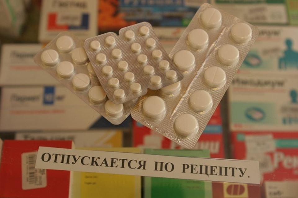 Отпуск препарата в аптеках производят по рецепту