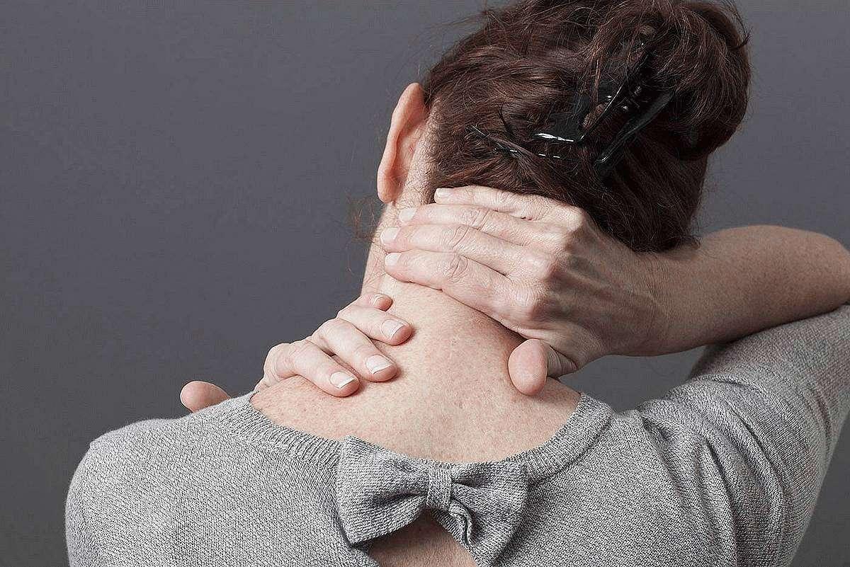 Боль в затылке при повышенном и пониженном давлении