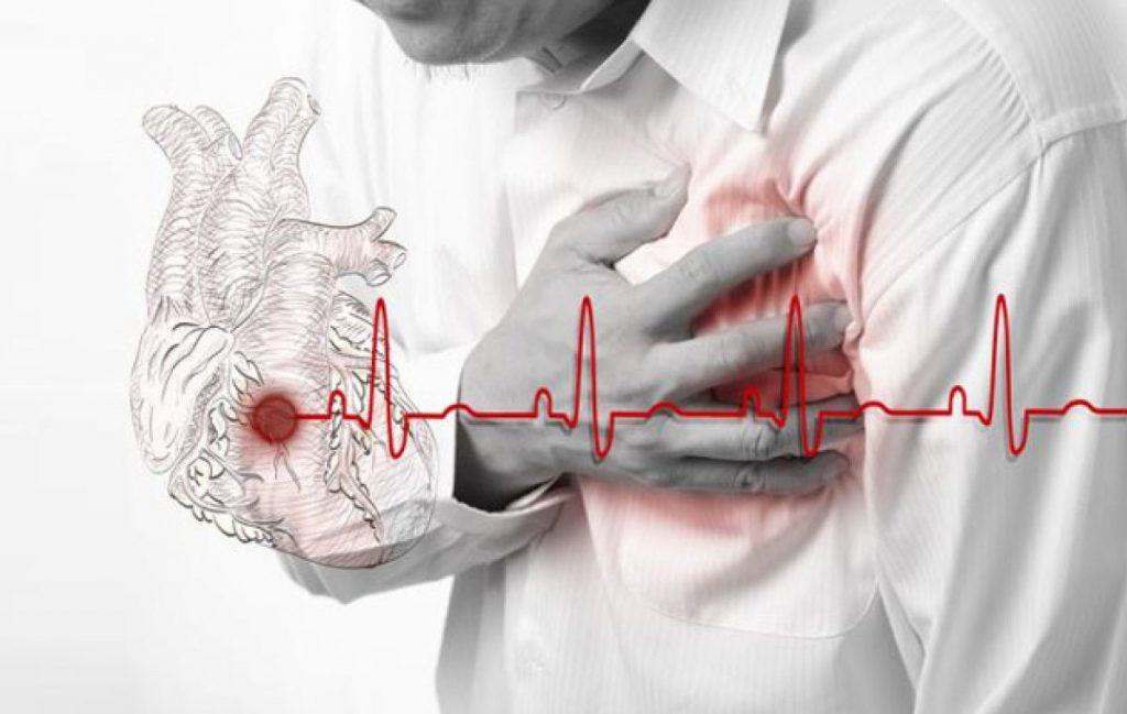 Уменьшает вероятность развития инфаркта