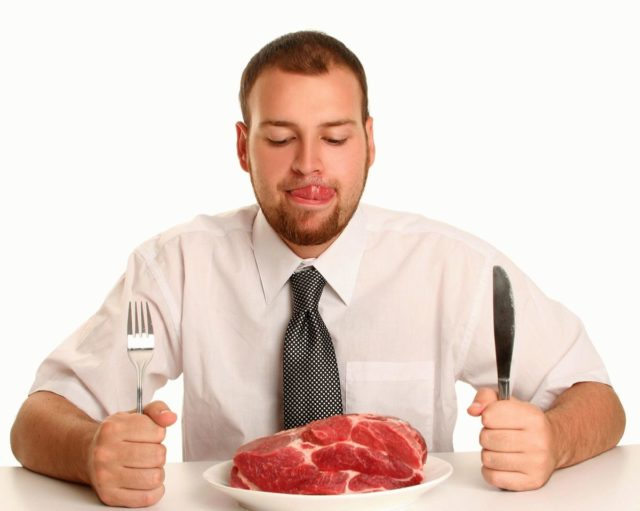 На усвоение пищи организм тратит много кислорода