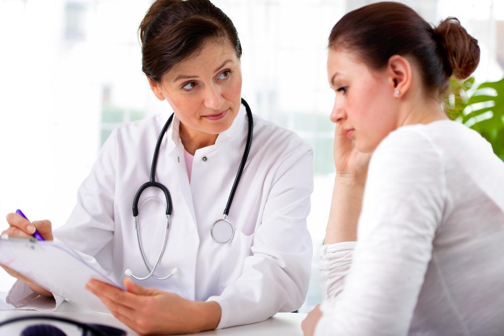 Подбирать лечение больному должен врач