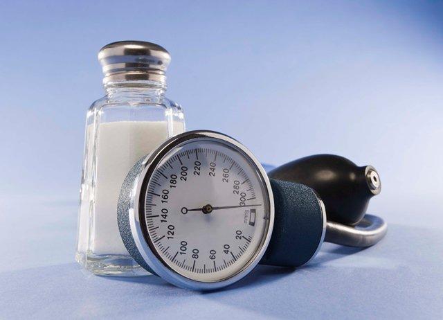 Потреблениесоли повышает или понижаетпоказатели артериальногодавления?