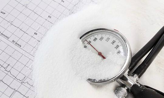 Недостаток соли чреват гипертонией
