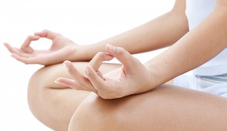 Мудры для лечения гипертонии, пальчиковая йога для снижения давления