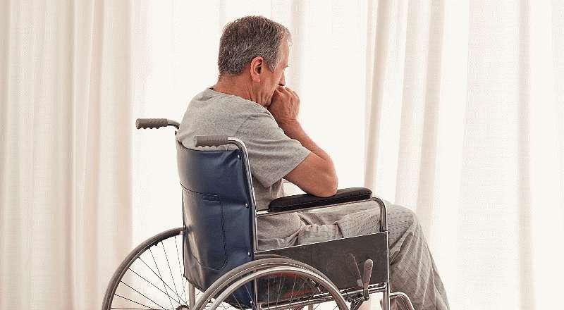 Прикованный к инвалидному креслу